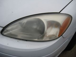 Parting Out 2000 Ford Taurus Drivers Side Head Light DS Headlight