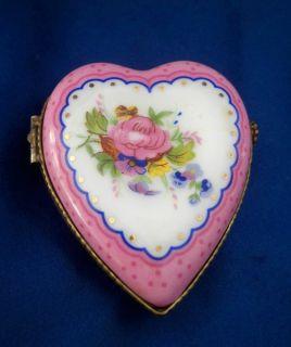 Porcelain Hinged Heart Shaped Trinket Box With Rose Je t aime Inside