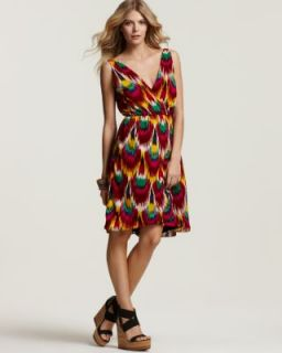 Alice Olivia New Alameda Red Printed Pleated V Neck Casual Dress M