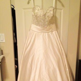Allure Bridal Wedding Gown Dress Bridal Size 6 Style 8904