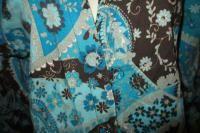 PRETTY BROWN & TEAL BLUE ARTISTIC SWIRLS & FLOWER DESIGN MEDICAL SCRUB