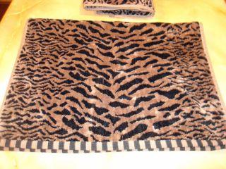 new 2 pc BLACK & Tan spotted Leopard print~BATH~TOWELS~~ nice quality