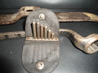 ANTIQUE AUTO CAR TOOL COLLECTION W 1923 EASY PAY TIRE CO FORD M 40 44