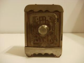 ANTIQUE VINTAGE COIN DEPOSIT BANK PENNY MECHANICAL CAST IRON BANK HAS