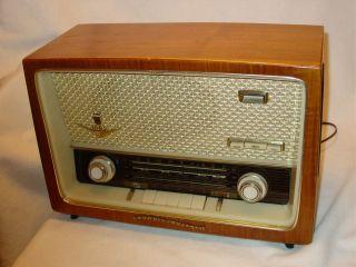 Vintage 1950s GRUNDIG Majestic RADIO Model 1088   WORKS   Excellent