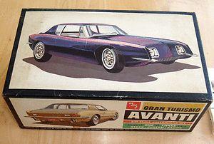 AMT 2364 170 Gran Turismo Avanti Model Car Kit 1 25 Scale Unbuilt Vtg
