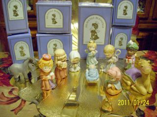 Vintage Avon Nativity Heavenly Blessings Complete Set 13 pieces