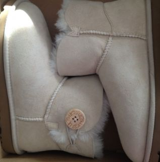 New Mini Bailey Button Uggs