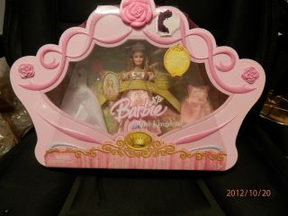 Brand New Barbie Mini Kingdom Princess Clara Set with Carrying Case