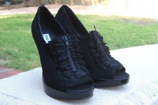 Steve Madden DAIZY~Black Suede Ruffle Platform Shoes Heels Booties~Top