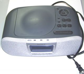 SONY DREAM MACHINE alarm clock radio with CD PLAYER, model ICF CD830