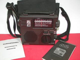 Grundig FR 200 AM FM Shortwave Portable Crank Emergency Survival Radio