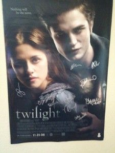 Twilight Signed Cast Poster Robert Pattinson Lautner Stewart COA GAI