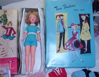 Vintage Blonde Tammy Doll by Ideal with Case Clothes 1962 9000 1 Nice
