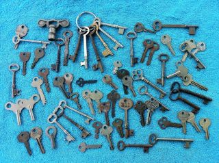 Large Lot of Antique Skeleton Keys and Vintage Keys