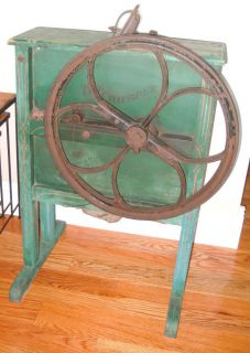 ANTIQUE HAND CRANK CORN SHELLER ~ THE CHICOPEE PRIMITIVE FARM FARMING