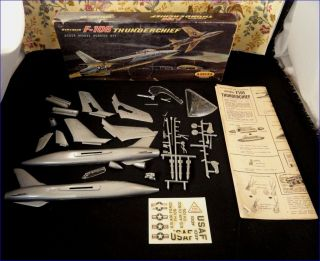 Complete Vintage 1958 Aurora Famous Fighters Republic F 105