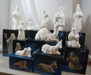 Avon Nativity Collectibles Porcelain Figurines from 1980s All 11