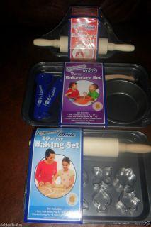 BAKEWARE SET PANS ROLLING PIN & MORE NIP GREAT GIFT KIDS BAKEWARE SET