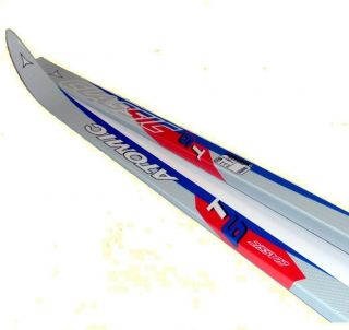 New Brand Name Atomic Waxless XC Cross Country Skis Package Unbox Ski