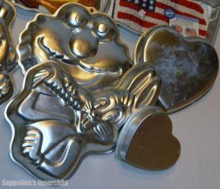 Wilton Cake Pan Lot 20 Cake Pans Pooh Bear Bugs Bunny Cars Sesame