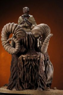 Star Wars Bantha and Tusken Raider Statue Gentle Giant