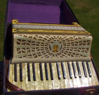 Vintage 1930s Enrico Bertini Accordion Original Case Great Tone Italy
