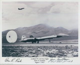 12 YF12 SR 71 Skunk Works Aviation Test Pilot Autograph James