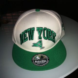 NEW YORK FLAT BILL SNAPBACK CAP, EMBROIDERY BRIGHT GREEN , SILVER AND