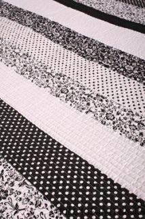 Tasha Patchwork Black White Toile Queen Quilt Set Cotton