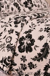 Hibiscus Black Off White Toile Queen Cotton Quilt Set