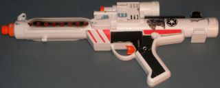 STAR WARS ELECTRONIC STORMTROOPER BLASTER RIFLE (WHITE VERSION)