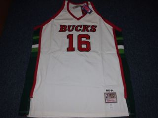 Ness NBA Throwback Milwaukee Bucks Bob Lanier Jersey Size 54