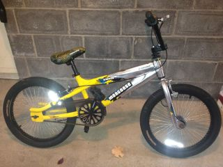 "Boys 20"" BMX Bike Mongoose Traction"