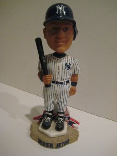 DEREK JETER BOBBLEHEAD   FOREVER COLLECTIBLES LIMITED EDITION