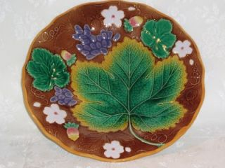 MARKED ANTIQUE BROWNFIELD MAJOLICA POTTERY STRAWBERRY PLATE