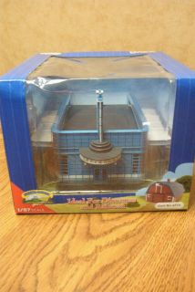 Imex HO Scale Greyhound Bus Station Resin Built Up Building