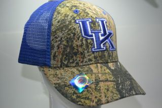 CAMO HAT BY MOSSY OAK. THE KENTUCKY WILDCATS HAT FEATURES CLASSIC CAMO