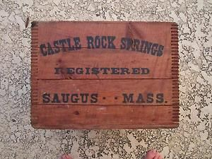 VINTAGE CASTLE ROCK SPRINGS CRATE SAUGUS MASS LARGE WOOD DOVE TAIL