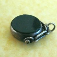 ANTIQUE VICTORIAN SILVER LARGE ENGLISH BLOODSTONE & CARNELIAN SPINNER