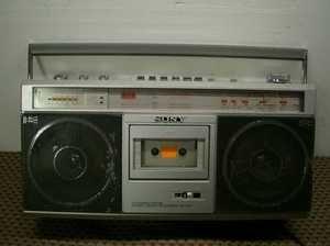 Sound / Radio / Cassette tape deck boombox vintage CFS   V2 corder
