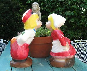 Retro Kissing Dutch Boy Girl Cement Garden Yard Statues