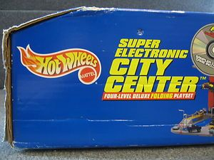 Hot Wheels SUPER ELECTRIC CITY CENTER Playset MIB NEW Mattel