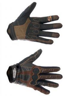 Speed Stuff Attack Glove 2010