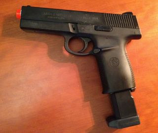 Smith & Wesson SW40F Blowback Airsoft CO2 Pistol Handgun w/ Metal