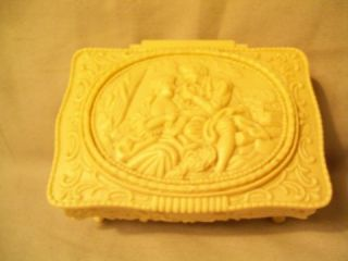 Vintage Plastic Iivory Colored Victorian Style Jewelry Box Footed