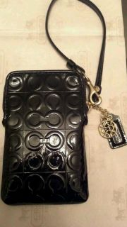 NWT COACH CELL PHONE CASE IPHONE WRISTLET PATENTED LEATHER BLACK GIFT