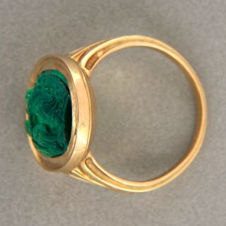 Gem Color Natural Carved Emerald 18K Yellow Gold Ring No Heat No