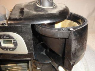 Black DeLonghi Coffee Espresso and Cappuccino Machine Model B