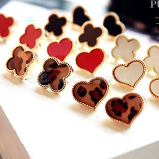 Korea Korean Sweet Lovely Enamel Clover Love Heart Golden Alloy Stud